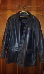 продам мужскую кожаную куртку 56р. 5 рост.