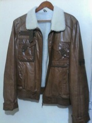Куртка короткая,  стильная,   кожа,  натуральных мех. Размер 48